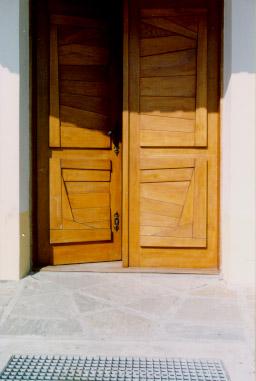 Pohled na vstupní dveře