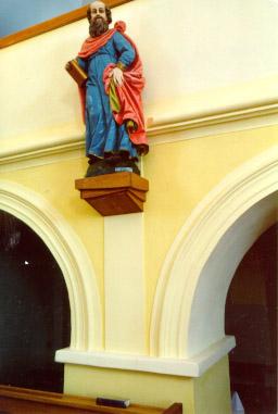 Lidová socha na novém podstavci
