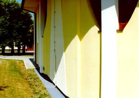 Detail boční stěny